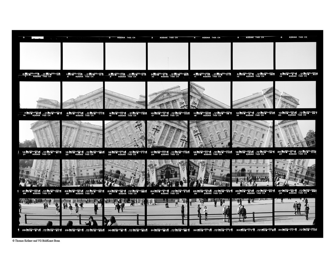 Thomas Kellner 14#16 London, Buckingham Palace, 1999, BW-Print, 26,8cm x 17,6cm / 10,55'' x 6,93'', edition 4/10+3